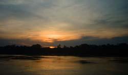 puesta de sol en el amazonas