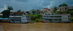 puerto en el  rio amazonas