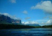 auyantepuy desde el rio karrao
